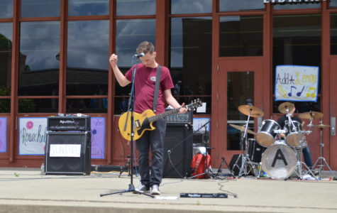 GALLERY: Rosechella highlights student, alumni musical talent