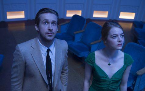 'La La Land' dazzles audiences