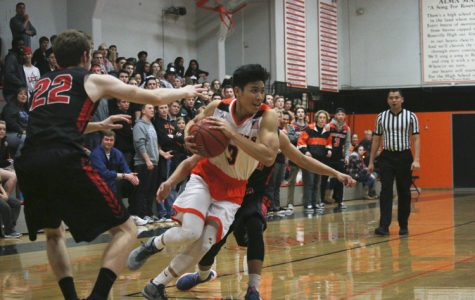 BASKETBALL: Freshman, JV win but varsity comes up short in matchups against Antelope