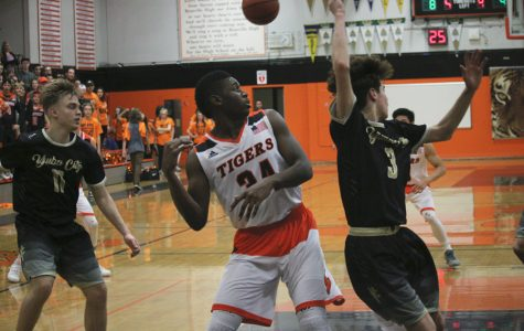 BASKETBALL: Varsity season comes to close on buzzer-beater loss