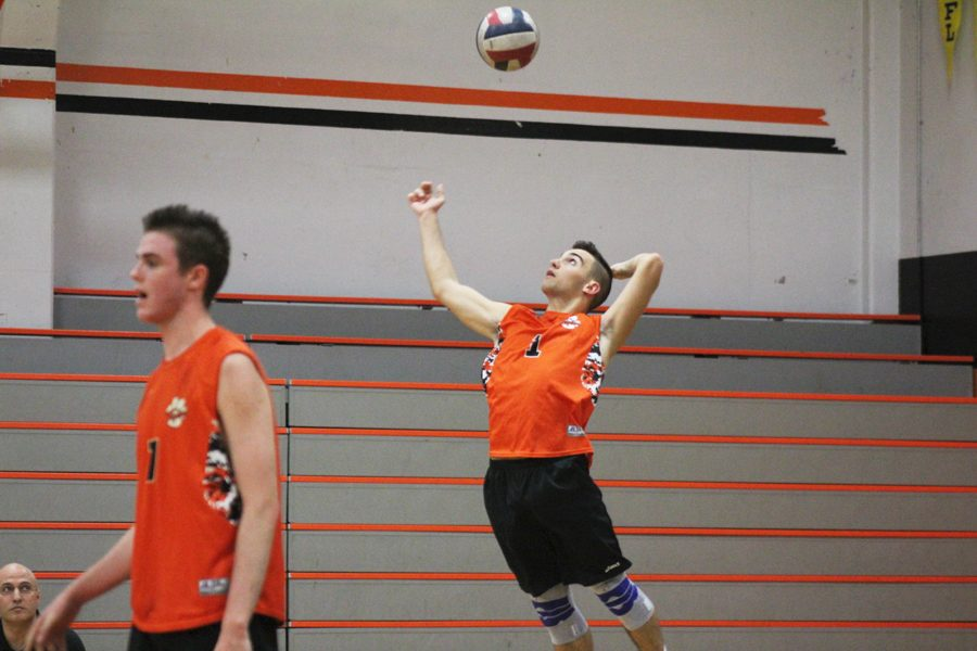 VOLLEYBALL: After injury to middle, varsity boys finish 3-3 at Bellarmine Invitational Tournament
