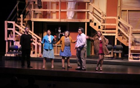 Cast melds together in fall production 'Noises off'