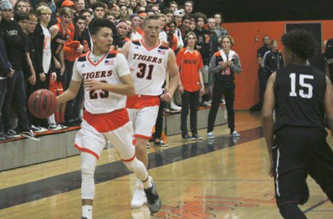 CARSON: Time to win is now for boys basketball