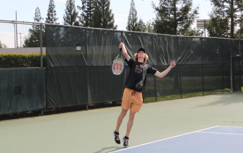 TENNIS: Boys varsity team defeats Bruins on senior night
