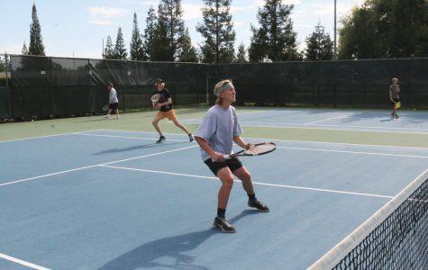 TENNIS: Varsity boys off to record start