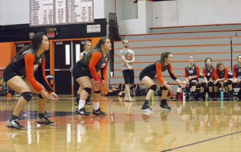 VOLLEYBALL: Varsity girls fall to Ponderosa