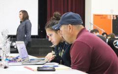 Seniors, parents utilize Cash for College night