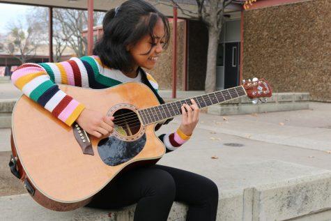 Sophomore finds outlet for vocal talent on social media