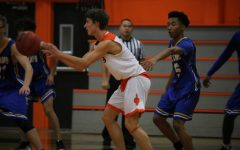 Boys varsity basketball breaks tie with Inderkum, takes first place in CVC