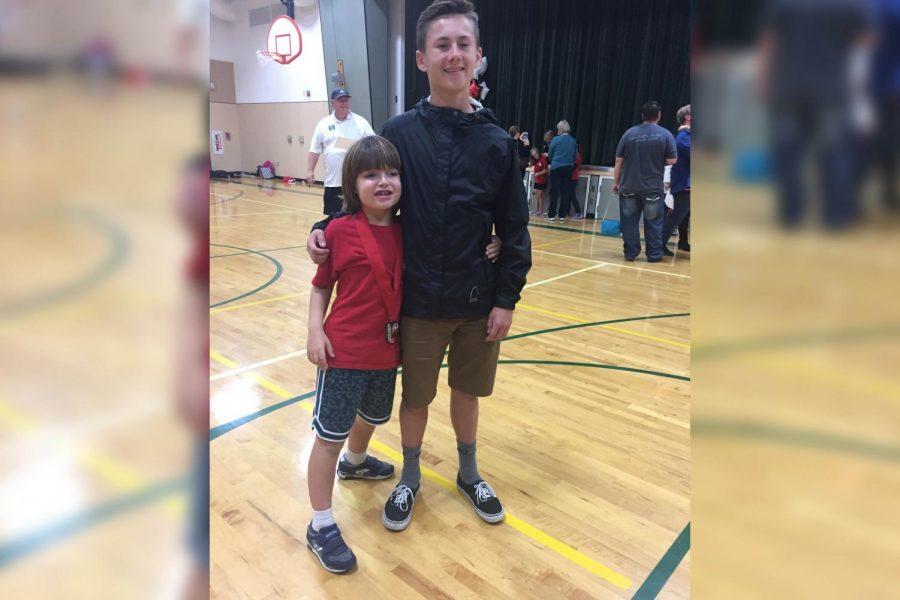 Kyle Barnes helps young athlete overcome disabilities