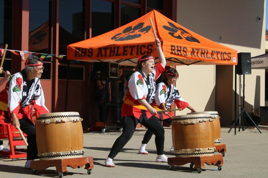 The+Sacramento+Taiko+Dan+performs+at+RHS%27+second+annual+Multicultural+Day.