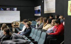 BRIEF: AVID classes host alumni presentation